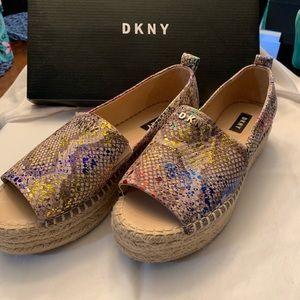 Stunning DKNY peep toe shoes